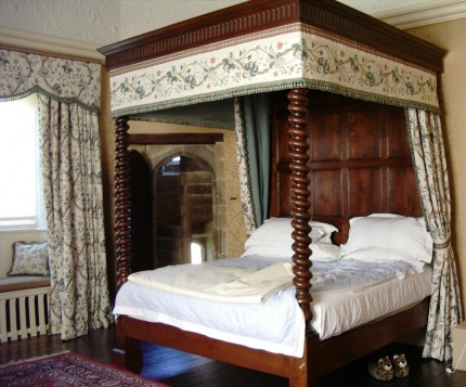 17th Century reproduction four poster oak beds